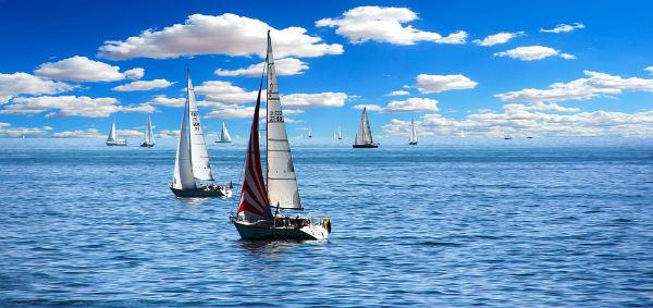 sailing boats at sea using savvy navvy